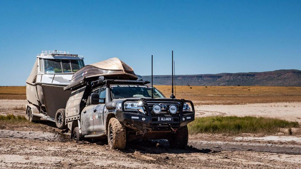 Diesel Tuning Gold Coast - UTE crossing muddy section while towing